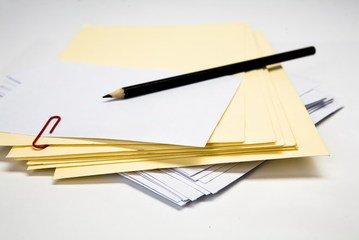 Farbige Briefumschläge -wichtig für verschiedene Anlässe